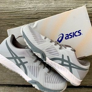 ASICS Women's Weldon X Fabric Low Top Sneaker